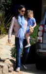 Celebrities Wonder 12789264_jennifer-garner-daughters_3.jpg