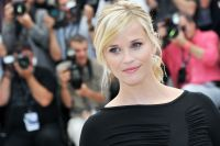 Celebrities Wonder 12789424_reese-witherspoon-mud-cannes_5.jpg