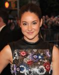 Celebrities Wonder 16830661_shailene-woodley-met-ball_4.jpg