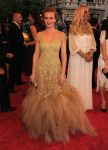 Celebrities Wonder 17490826_leighton-meester-met-ball_1.jpg