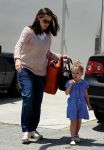 Celebrities Wonder 20183471_jennifer-garner-daughters_6.jpg