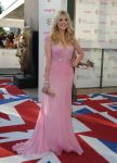 Celebrities Wonder 21538283_bafta-tv-awards_Fearne Cotton 3 - Holly Willoughby-Jenny Packham.jpg