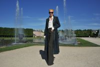Celebrities Wonder 22186440_tilda-swinton-chanel-cruise_6.jpg