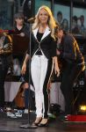 Celebrities Wonder 23054786_carrie-underwood-good-morning-america_3.jpg