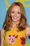 Celebrities Wonder 31154797_glee-screening_Jayma Mays 4.jpg