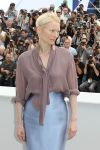Celebrities Wonder 34618860_tilda-swinton-cannes_5.jpg