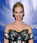 Celebrities Wonder 41625651_january-jones-La-Revolution-Bleue_6.jpg