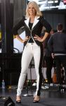 Celebrities Wonder 42709114_carrie-underwood-good-morning-america_5.jpg
