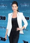 Celebrities Wonder 43573928_tron-uprising_Tricia Helfer 3.JPG