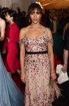 Celebrities Wonder 45603744_rashida-jones-2012-met-ball_5.jpg