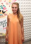 Celebrities Wonder 52369305_City-Of-Style-by-Melissa-Magsaysay_Kristen Bell 3.jpg