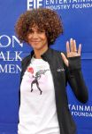 Celebrities Wonder 52821295_halle-berry-revlon-walk_8.jpg
