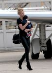 Celebrities Wonder 65289615_charlize-theron-airport_2.jpg