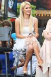 Celebrities Wonder 65345587_paris-hilton-extra-grove_4.jpg