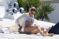 Celebrities Wonder 6846106_karolina-kurkova-bikini-cannes_3.jpg