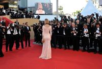 Celebrities Wonder 7033616_eva-herzigova-cannes-opening_4.jpg