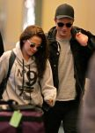 Celebrities Wonder 70379418_kristen-stewart-airport_1.jpg