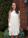Celebrities Wonder 72930200_natalie-portman-audrey-hepburn-childrens-house_5.jpg