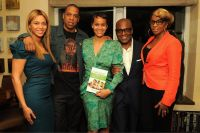 Celebrities Wonder 7901059_beyonce-book-launch_3.jpg