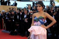 Celebrities Wonder 80694235_freida-pinto-cannes-opening_3.jpg