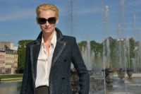 Celebrities Wonder 89264459_tilda-swinton-chanel-cruise_7.jpg