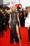 Celebrities Wonder 91262593_cannes-closing-ceremony_Anja Rubik 1.jpg