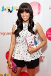 Celebrities Wonder 92149273_biggest-baby-shower_Tia Mowry 2.jpg