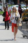 Celebrities Wonder 93381327_whitney-port-whole-foods_1.jpg