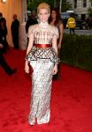 Celebrities Wonder 95004459_elizabeth-banks-met-ball_1.jpg