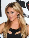 Celebrities Wonder 96915850_race-to-erase-ms_Cassie Scerbo  4.jpg