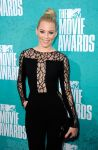Celebrities Wonder 10870785_elizabeth-banks-mtv-movia-awards_6.jpg