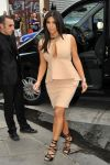 Celebrities Wonder 14151940_kim-kardashian-paris_4.jpg