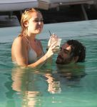 Celebrities Wonder 16298534_miley-cyrus-bikini_8.jpg