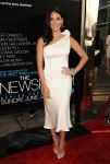 Celebrities Wonder 31579780_the-newsroom-premiere_Olivia Munn 1.jpg