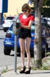 Celebrities Wonder 38103304_emma-roberts-studio-city_5.jpg