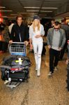 Celebrities Wonder 38552425_Candice-Swanepoel-airport_4.jpg