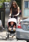 Celebrities Wonder 43627125_victoria-beckham-children_6.jpg