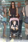 Celebrities Wonder 61220752_victoria-beckham-children_2.jpg