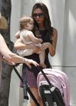 Celebrities Wonder 62210739_victoria-beckham-children_4.jpg