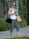 Celebrities Wonder 6282529_natalie-portman-gym_3.jpg