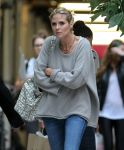 Celebrities Wonder 66600267_heidi-klum-shopping_6.jpg