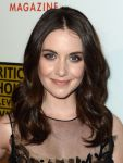 Celebrities Wonder 73206034_2012-Critics-Choice-Television-Awards_Alison Brie 2.jpg