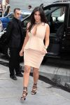 Celebrities Wonder 73964090_kim-kardashian-paris_2.jpg