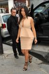 Celebrities Wonder 75309841_kim-kardashian-paris_3.jpg