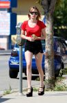 Celebrities Wonder 82905865_emma-roberts-studio-city_4.jpg