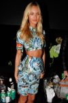 Celebrities Wonder 88439571_Candice-Swanepoel-fashion-week_4.jpg