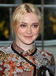 Celebrities Wonder 91079062_cfda-fashion-awards-2012_Dakota Fanning 2.jpg