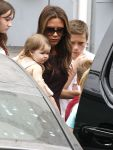 Celebrities Wonder 93378567_victoria-beckham-children_5.jpg