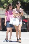 Celebrities Wonder 12073974_rachel-bilson-sister_3.jpg