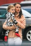 Celebrities Wonder 13500764_natalie-portman-baby_4.jpg